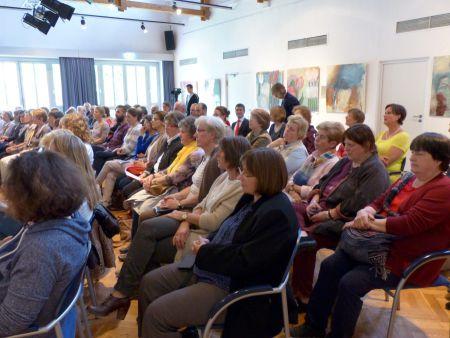 Der SkF konnte viele Wegbegleiter, Kooperationspartner und Freunde zum Jubiläum des Frauenhauses begrüßen